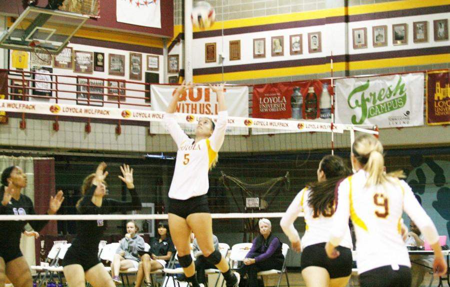 Volleyball Schedule Sends Player Home The Maroon