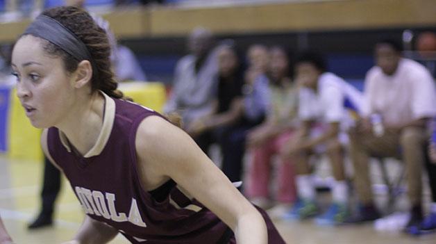 Women's basketball team dominates