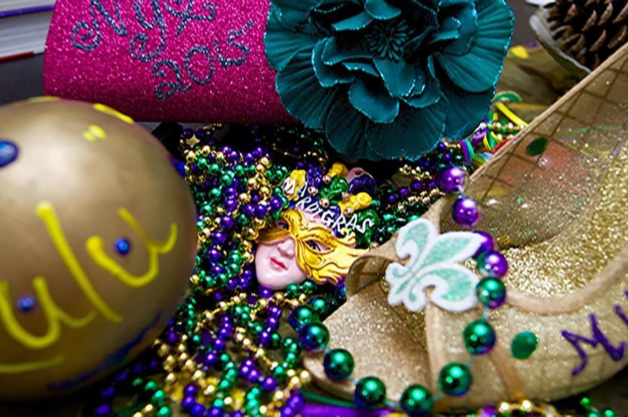 Throws cause frenzy during Mardi Gras