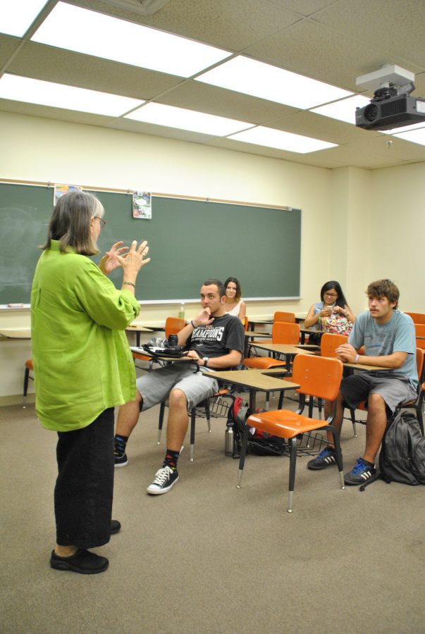 Leslie Parr, A. Louis Read Distinguished Professor Of Communication, lectures a class in the School of Mass Communication. The School of Mass Communication was once part of the College of Social Sciences, but starting in the fall of 2016, it will be part of the new College of Arts and Sciences, along with other social science programs.