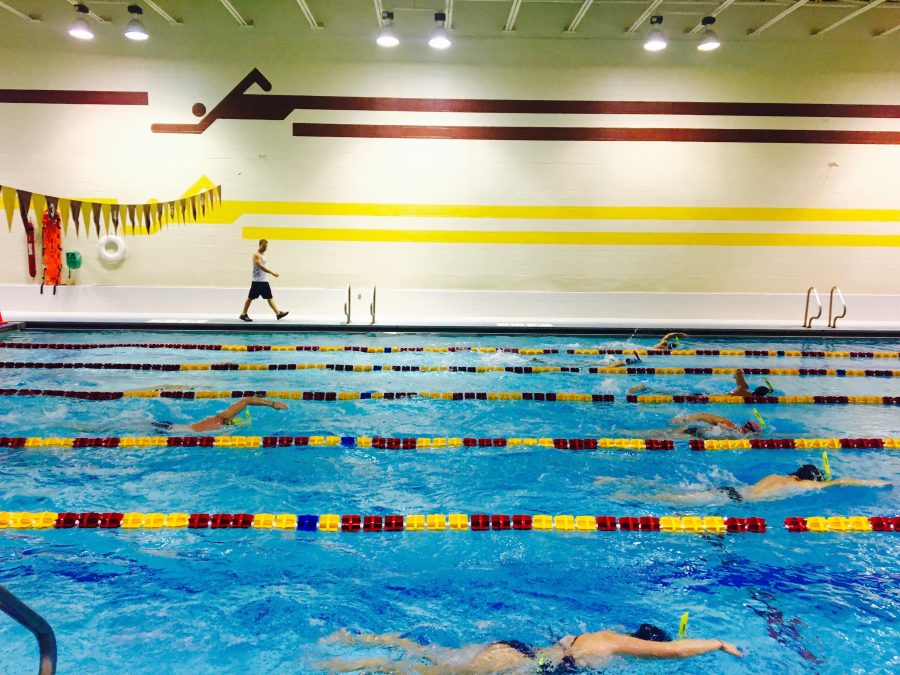 The Loyola swimming team practices in the sports complex. The team will enter a new conference this year. Photo credit: Caroline Gonzalez