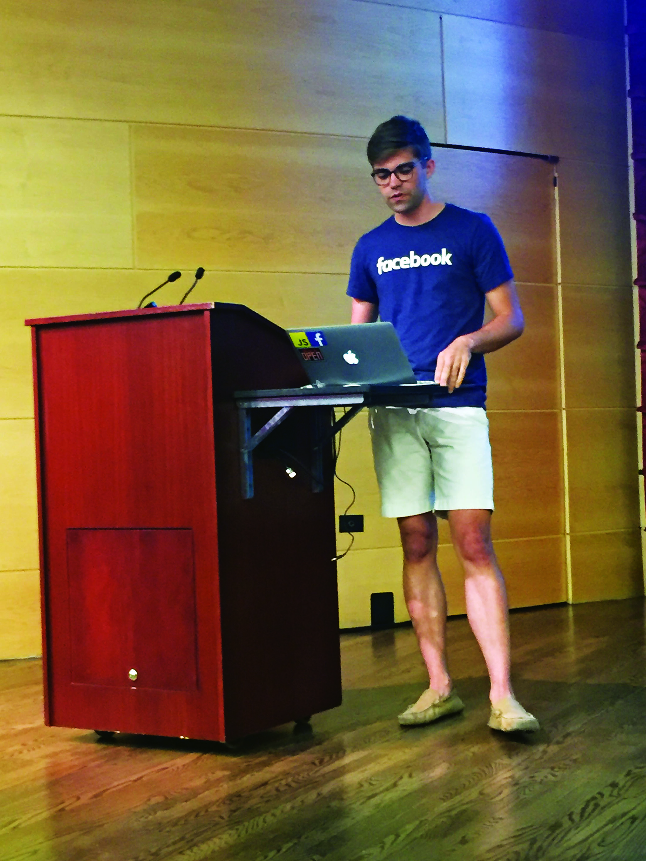 Patrick Burtchaell speaks at Loyola's Design Forum about his Facebook internship on Oct. 26 2016. He discussed his application process, Facebook's design dynamics, and gave advice to fellow students. Photo credit: Caleb Beck
