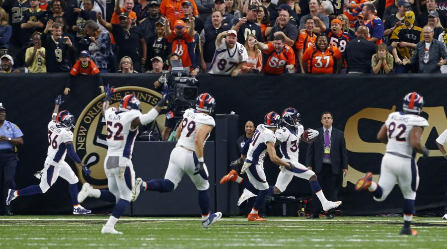 Will Parks (34) returns a blocked extra point for two points late in the 4th quarter. This play proved to be the game-winning play as the Broncos defeated the Saints 25-23.