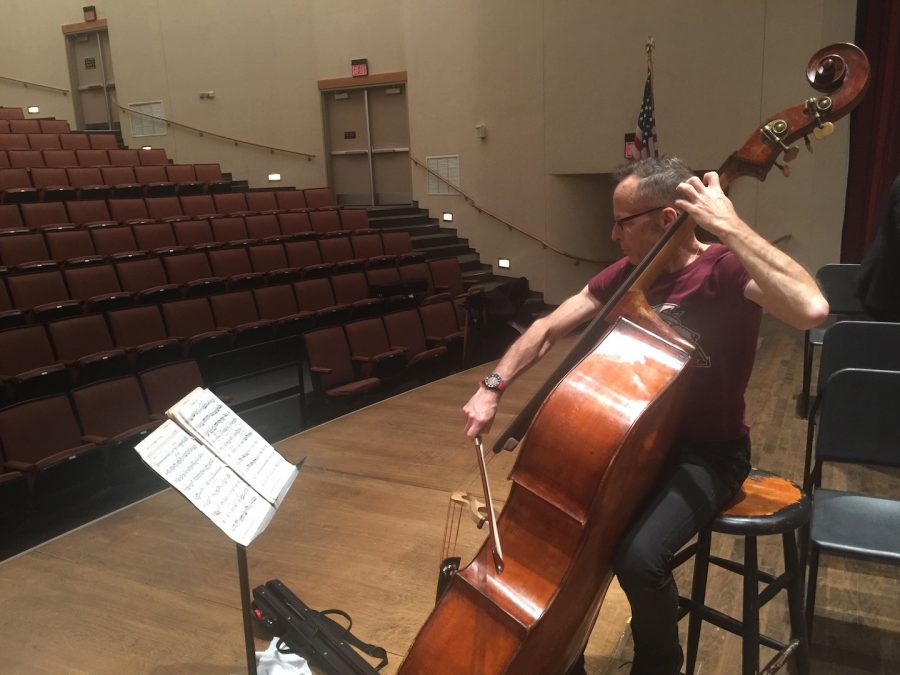 James+VanDemark+rehearses+in+Roussell+Hall+on+Nov.+30.+He+will+perform+with+Loyola+University+New+Orleans%E2%80%99+symphony+orchestra+on+Dec.+3.