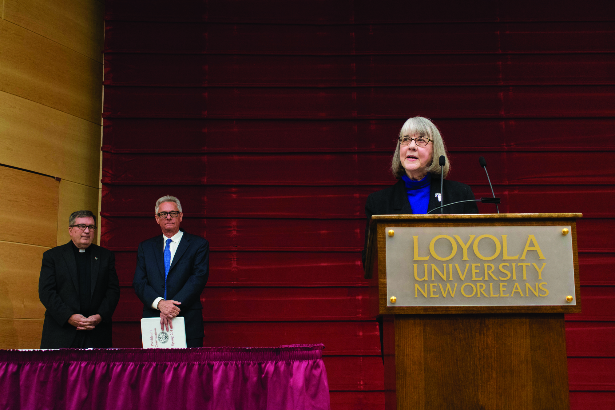 Leslie Parr, A. Louis Read Distinguished Professor in Communication, gives speech after receiving Dux Academicus award. Parr is the 39th faculty member to receive this award. Photo credit: Nicholas Boulet