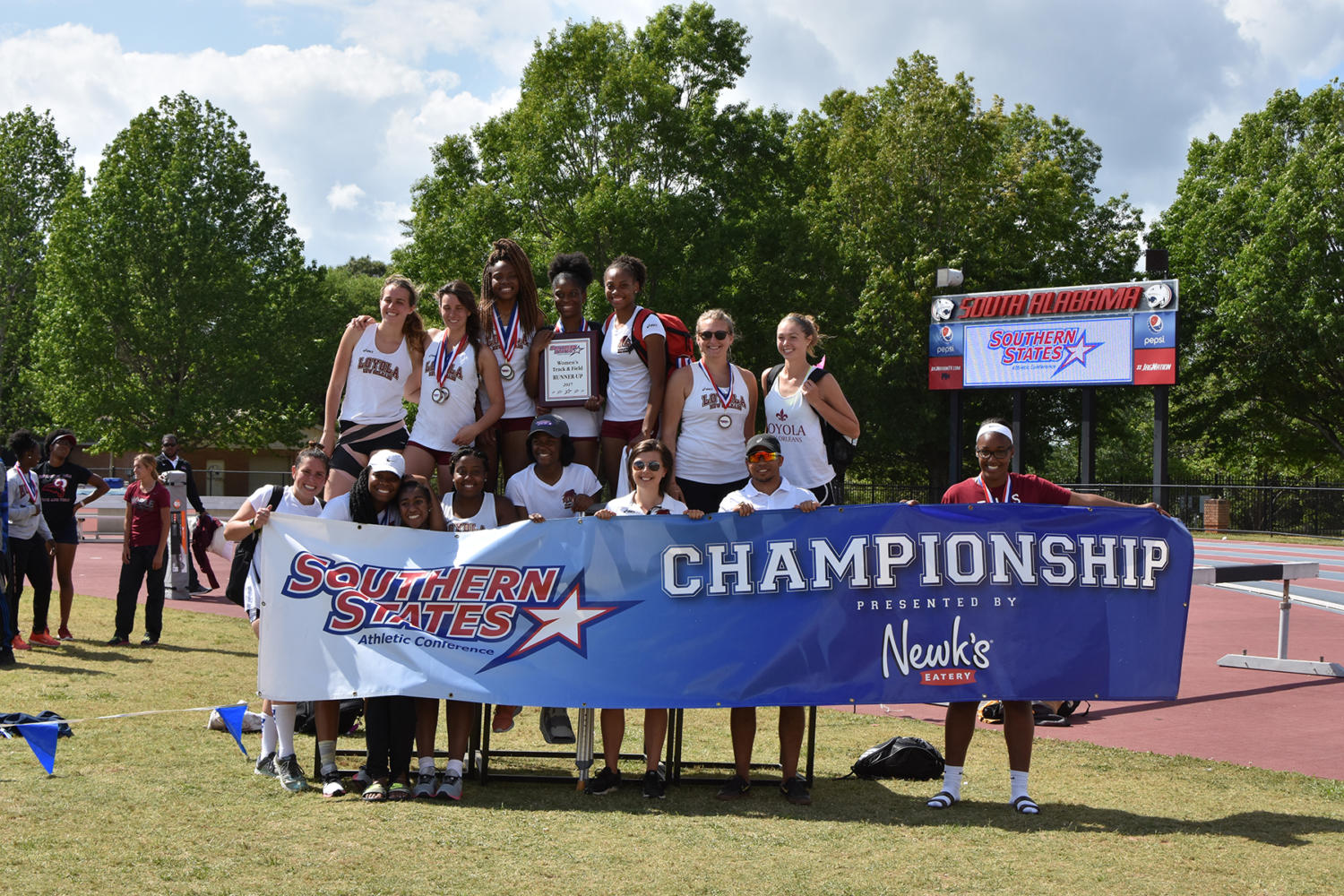 Banks and Richards highlight SSAC Track & Field awards