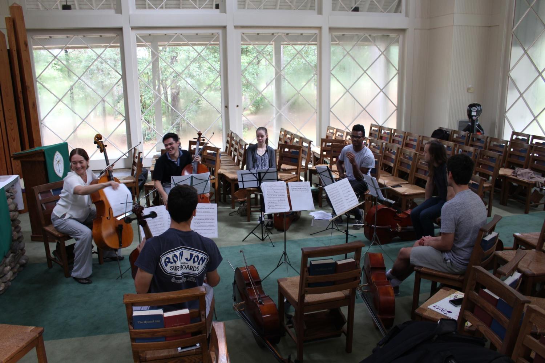 Loyola cello students rehearse with Tanya Anisimova on weekend retreat