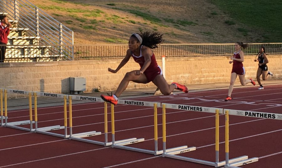 Leah+Banks%2C+mass+communication+junior%2C+competing+in+the+400-meter+hurdles+at+the+Southern+Invitational+March+9+2018.+The+Loyola+track+and+field+team+found+success+with+their+freshman+athletes.+Photo+credit%3A+Loyola+New+Orleans+Athletics