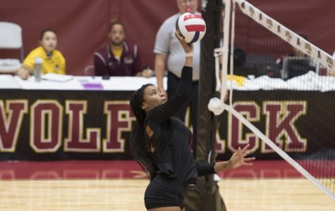 Loyola volleyball drops to 4-4 after 1-3 weekend