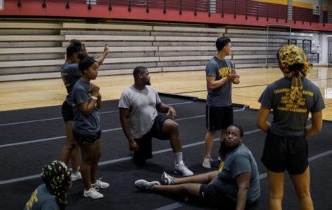 Rummel cheerleaders