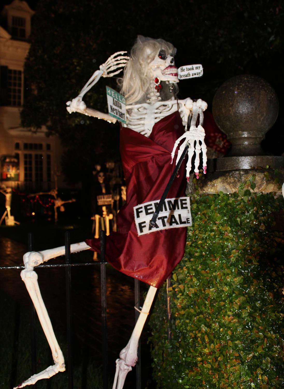 'Femme Fatal(e)' skeleton at