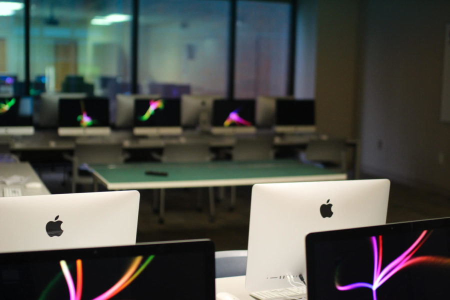 Computers sit in an empty lab in the Loyola School of Communication and design in 2019. Loyola