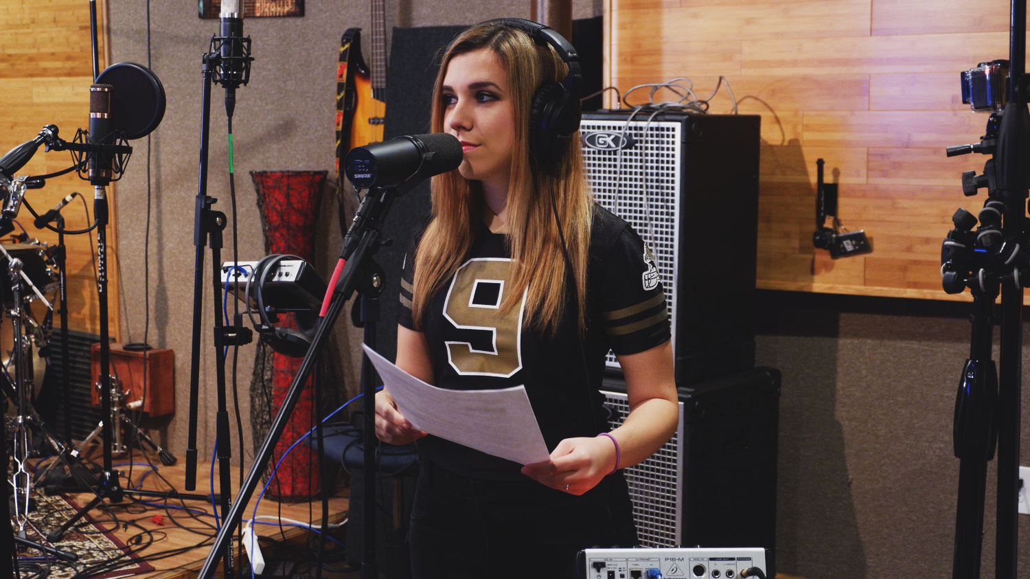Popular and commercial music junior Jenna Hunts sings,
