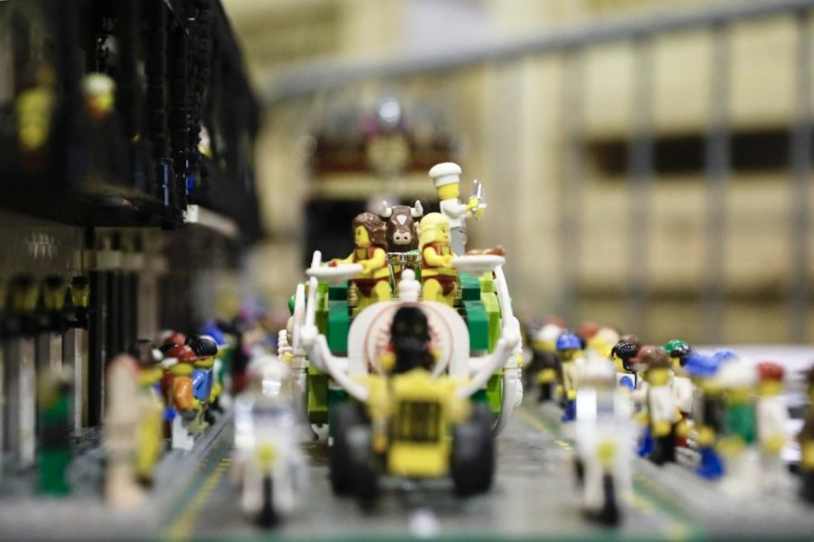 A+LEGO+Mardi+Gras+set+is+on+dispaly+at+BrickUniverse.