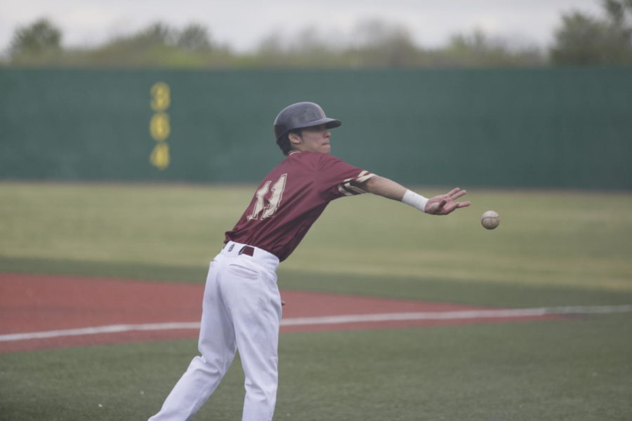 Biophysics+freshman+Derek+Oliveras+%2811%29+throws+a+ball+at+Segnette+Field.+After+their+home+series+versus+Martin+Methodist%2C+Loyola%27s+baseball+team+remains+winless+in+conference+play.+Photo+credit%3A+Andres+Fuentes