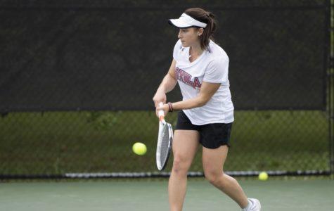 Women's tennis takes down Mobile, men's team falls short