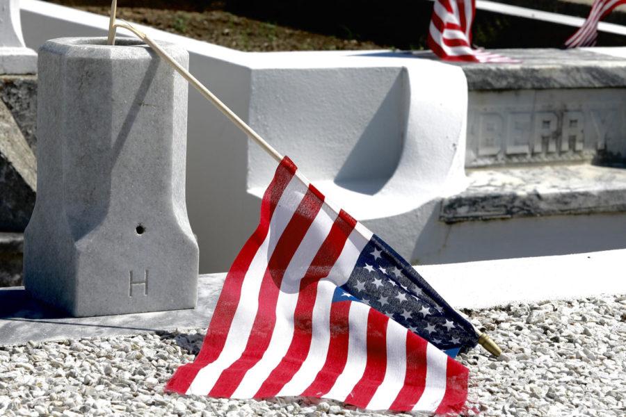 web.grave.flag
