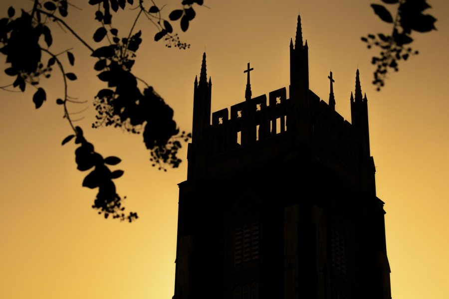 The+sun+sets+on+Holy+Name+of+Jesus+Church+on+Sept.+24%2C+2019.+Loyola+is+undergoing+the+Mission+Priority+Examen+to+reevaluate+its+commitment+to+Jesuit+values+and+traditions.+Photo+credit%3A+Michael+Bauer