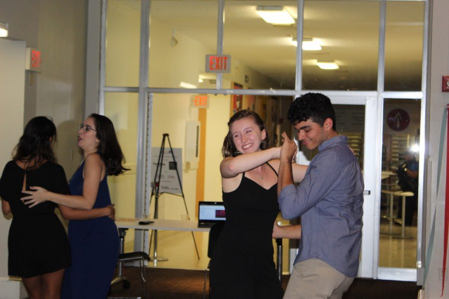 Students+dance+at+%22Despierta%2C+Loyola.%22+The+event+was+hosted+by+the+Hispanic+Music+Appreciation+student+organization+on+Sept.+26%2C+2019.+Photo+credit%3A+Gabriella+Killett