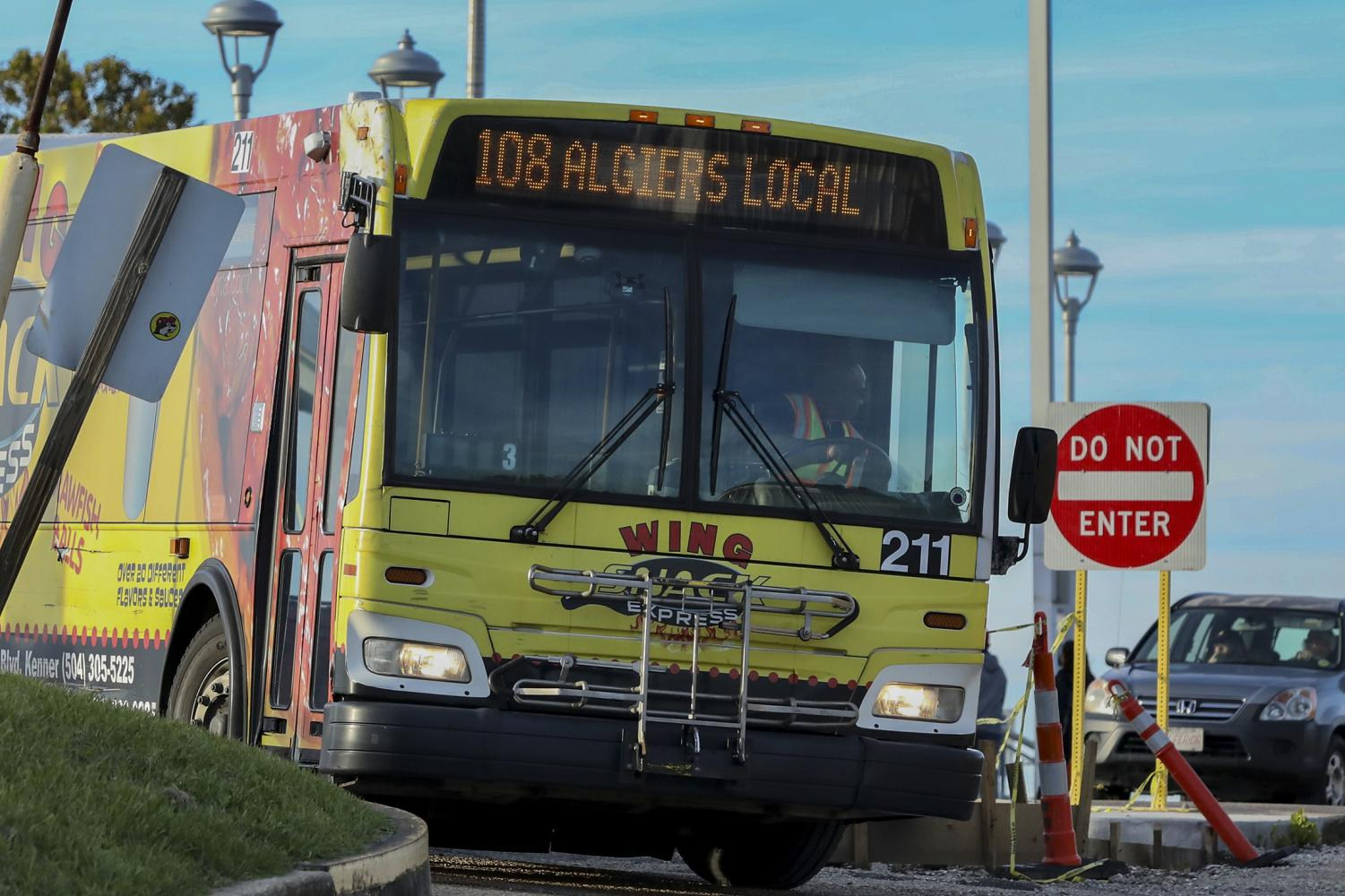 An RTA bus waits on passengers to board at Algiers Point. With the ferry out of service, more people have been forced to take the bus recently. Photo credit: Andres Fuentes