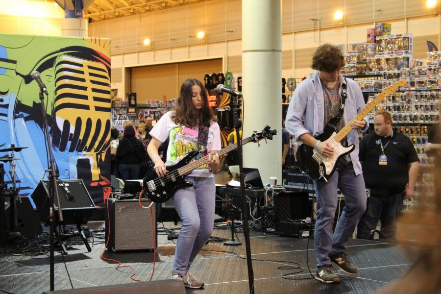 A band plays music at the beginning of day three at Wizard World on Jan. 5, 2020. The event lasted for three days and featured live music, performances, artists, guest celebrities and more.