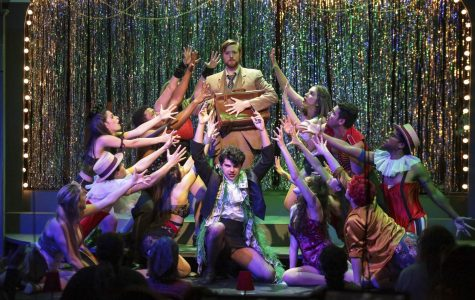 """Theater students turn final """"Cabaret"""" rehearsal into public performance"""