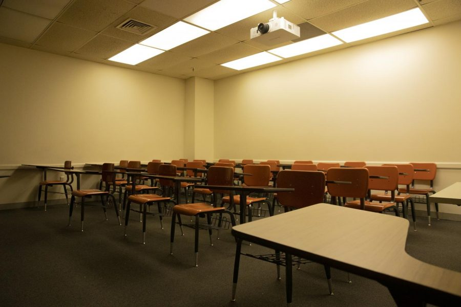 An empty Loyola classroom on Friday, March 13. In the wake of COVID-19, Loyola has moved all classes online and closed campus. Photo credit: Cristian Orellana