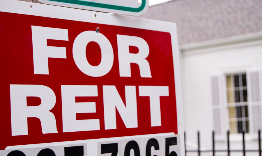 A+rent+sign+outside+an+Uptown+home.+Many+students+are+facing+uncertainty+surrounding+their+rental+agreements+amid+the+growing+coronavirus+crisis.+Photo+credit%3A+Andrew+Lang