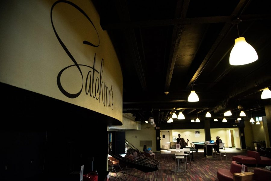 Satchmo's Lounge in the Danna Center has been a go-to hangout spot for commuter students at Loyola in the past. This year, students are exploring other options to avoid congestion amid COVID-19. Photo credit: Michael Bauer