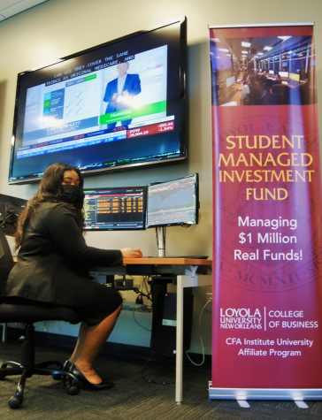 A student works at the Bloomberg Terminal.