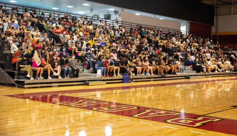 Students gather in the University Sports Complex on Aug. 18th, 2021.